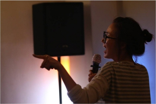 Choi Ji Woo Singing in Karaoke Room