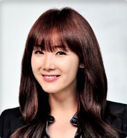 Choi Ji Woo as Lee Eun Jae