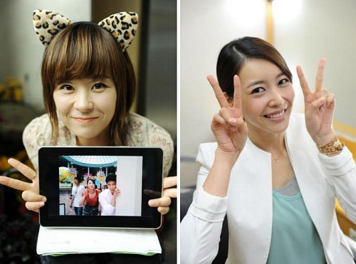 Choi Kang Hee and Wang Hi Hye Victory Sign