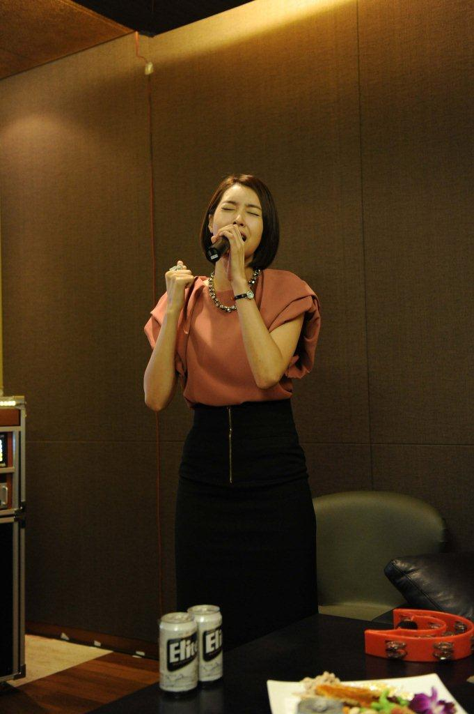 Wang Ji Hye Karaoke Singing