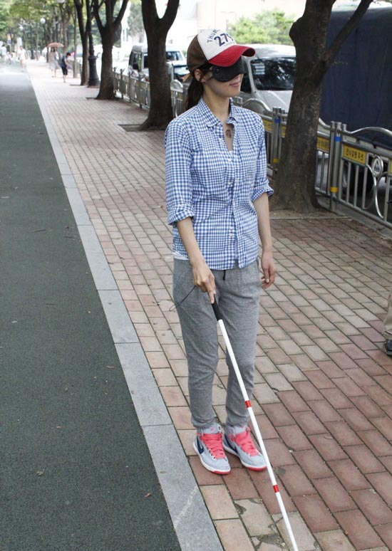Han Ji Hye Trains as Blind (The Mighty Gift BtS)