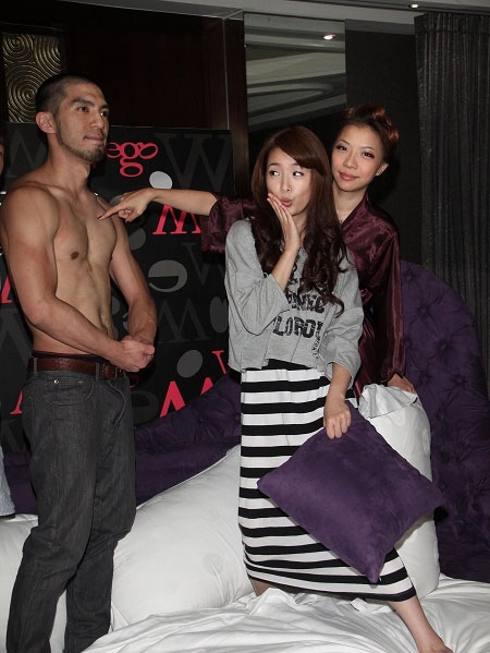 Ariel Lin at Bachelor Night Behind the Scene
