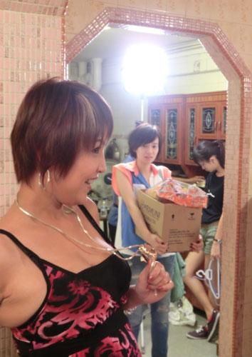 Aileen Tan Behind the Scene