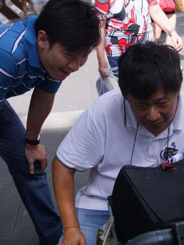 Shaun Chen at Orchard Buskering Scene