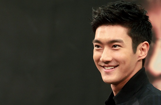 Choi Siwon Wallpaper 2012 choi siwon super junior praised by