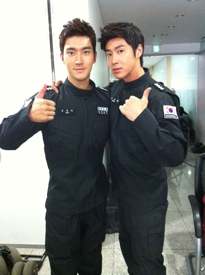 Si Won and Yun Ho in SSAT Uniform