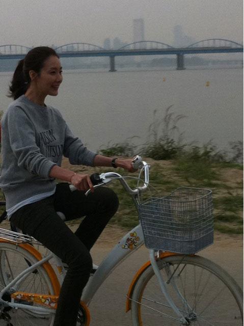 Behind the Scene - Choi Ji Woo Cycling
