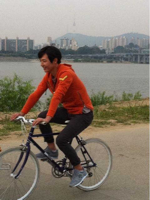 Behind the Scene - Yoon Sang Hyun Cycling