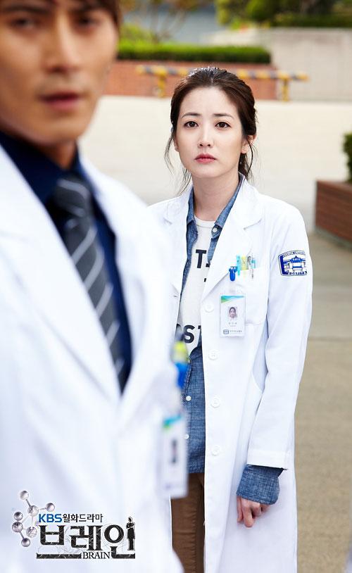 brain-choi-jung-won-yoon-ji-hye-cast17