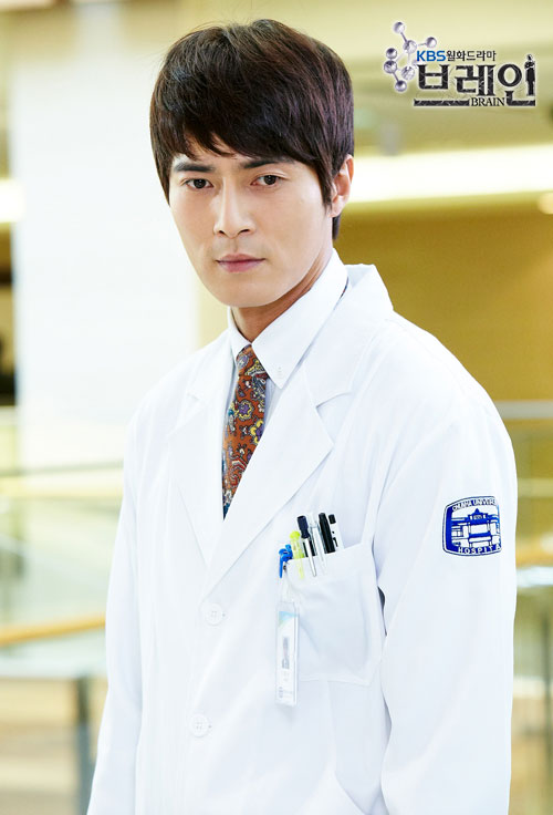 http://dramahaven.com/wp-content/uploads/2011/11/brain-jo-dong-hyuk-seo-joon-suk-cast22.jpg