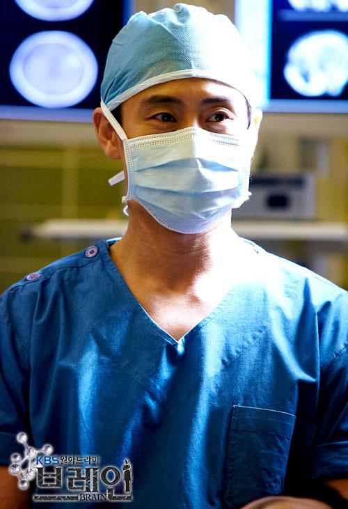 Lee Kang Hoon (acted by Shin Ha Kyun)