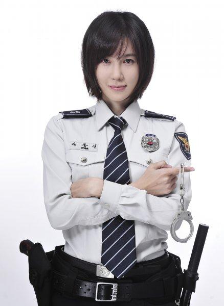 http://dramahaven.com/wp-content/uploads/2011/11/flower-lee-ji-ah.jpg