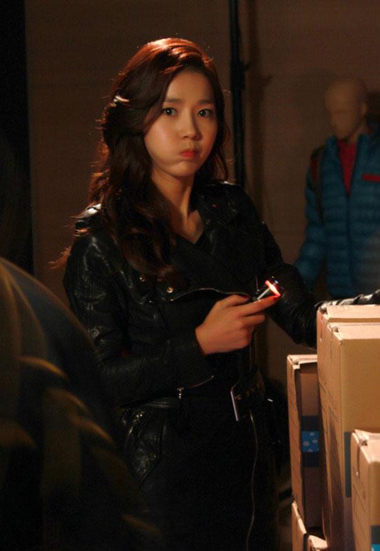 gloryjane-lee-jin-4-faces3