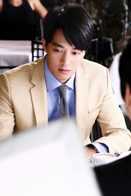Kim Rae Won Plays Park Ji Hyung