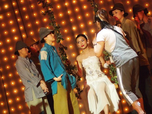song-joanne-peh-swing5