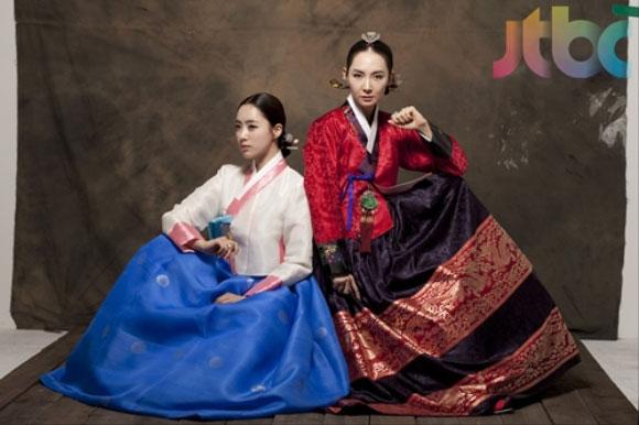 Chae Si Ra and Ham Eun Jung