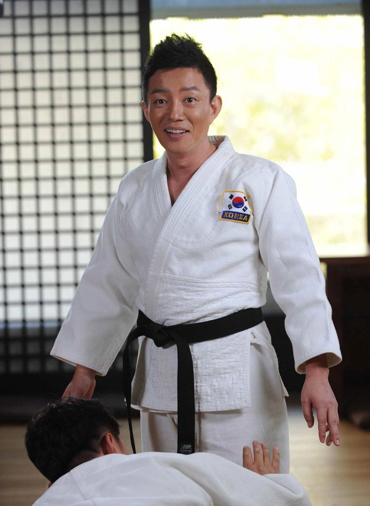 salary-lee-beom-soo-fight3