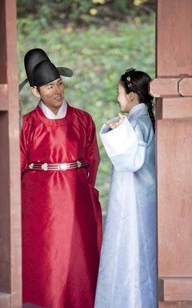 insoo-ham-eun-jung-baek-sung-hyun-bed3