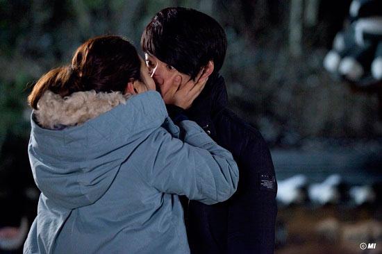 kimchi-songilgook-parkjinhee-kiss3