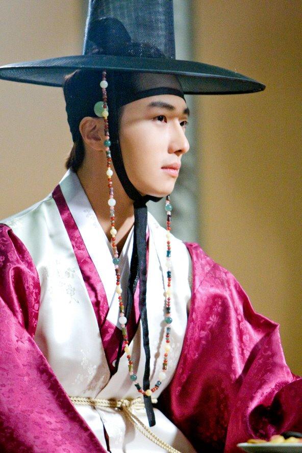 sunnmoon-jung-il-woo-first1
