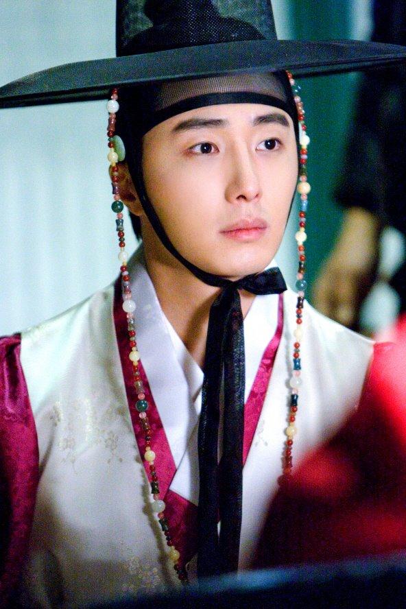 sunnmoon-jung-il-woo-first4