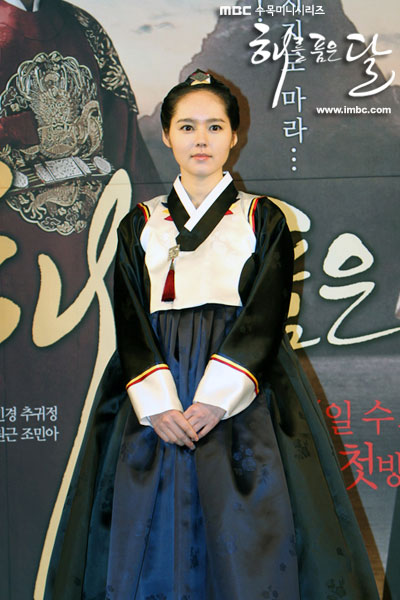 sunnmoon-press10-han-ga-in