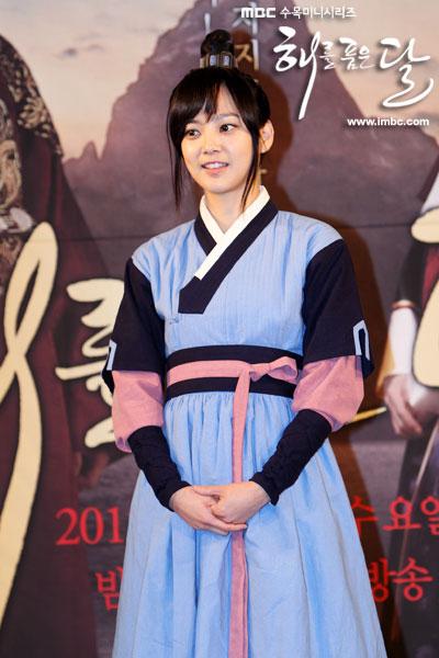 sunnmoon-press36-yoon-seung-ah