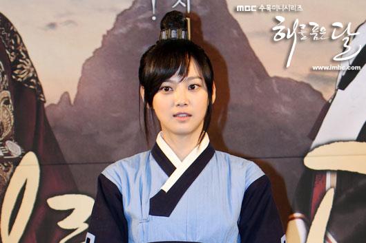 sunnmoon-press37-yoon-seung-ah