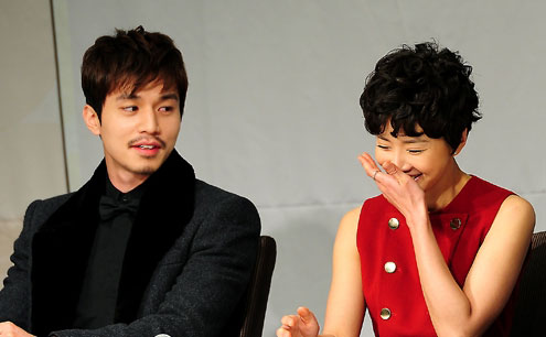 Lee Dong Wook and Lee Si Young