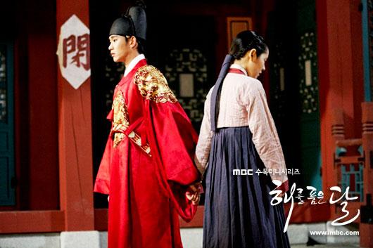 sunnmoon-hangain-kimsoohyun-hand4