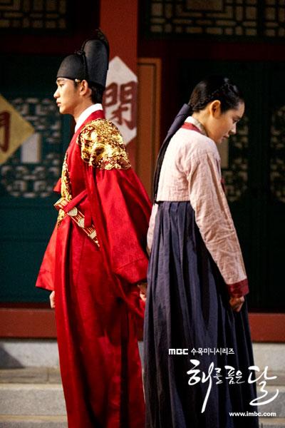 sunnmoon-hangain-kimsoohyun-hand5