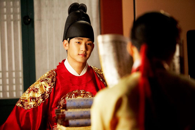sunnmoon-kim-soo-hyun-han-ga-in-kiss5