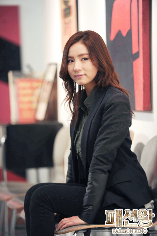 fashion-still6-shin-se-kyung