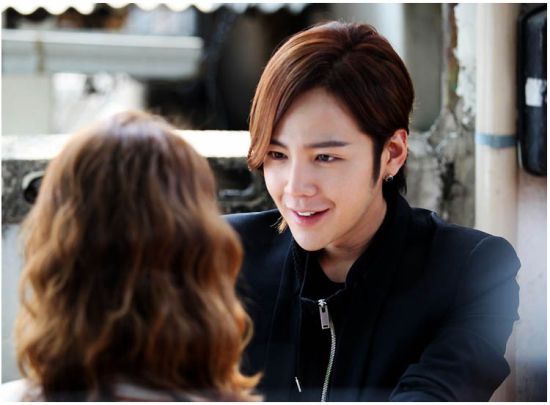 jang geun suk and yoona dating Love rain (hangul: 사랑비 with jang keun-suk and im yoon-ah playing dual roles it unaware that their children are dating each other, seo in-ha.